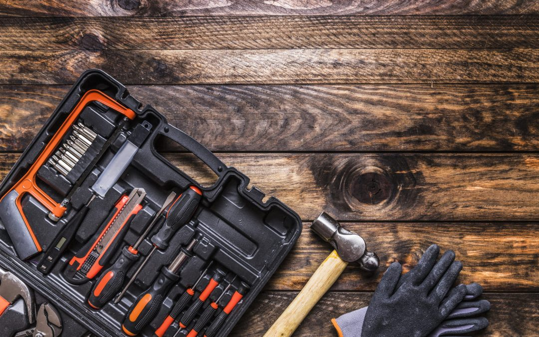 Millised on väikelaeva tööriistad mis võiksid olla pardal